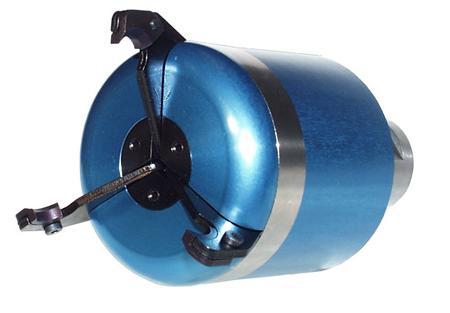 Potahovač materiálu ovládaný tlakem chladiva 3-čelistní