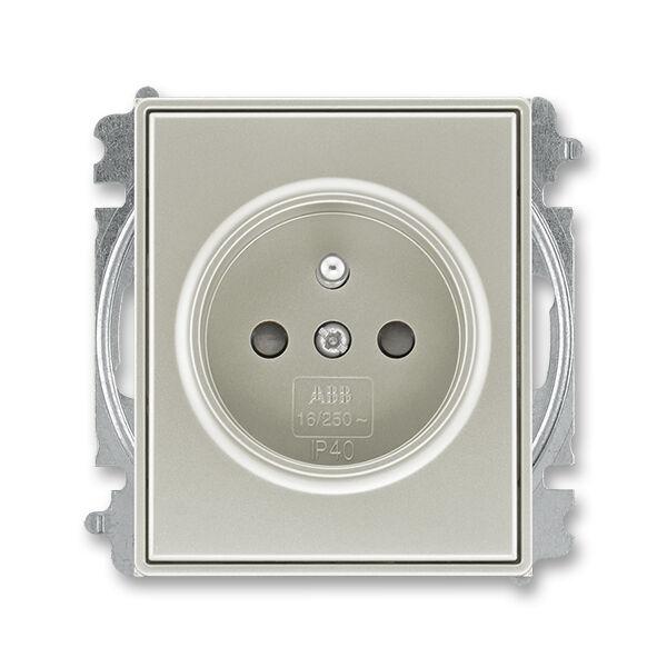 ABB 5519E-A02357 32 Zásuvka jednonásobná, chráněná, s clonkami, bezšroub.svorky, starostříbrná